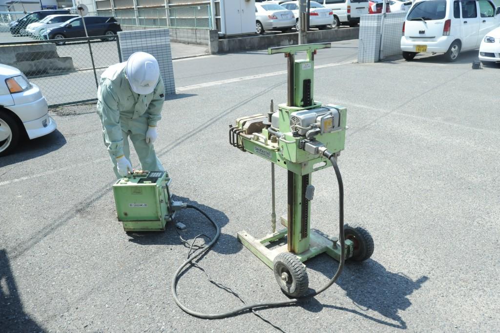 スウェーデン式サウンディング試験(機械式)三友 スウェーデン式サウンディング試験とは、鉄製の棒(